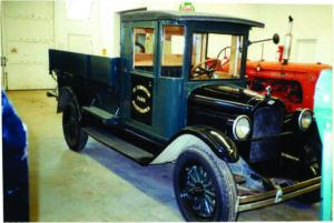 1925-chev-truck-03-2-1-wildrose-768x514